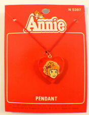 Orphan Annie Heart Necklace Pendant Mint On Card 1981 Moc N5397