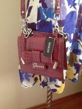Portafogli e borsellini da donna rosa GUESS