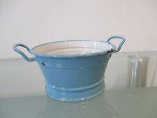 alte blau-weiße Emailwanne für die große Puppenküche
