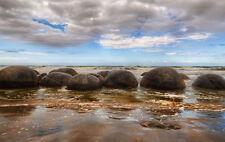 Encadrée Imprimer-gigantesques rochers sur une plage de l'océan (Photo Poster art vagues de mer