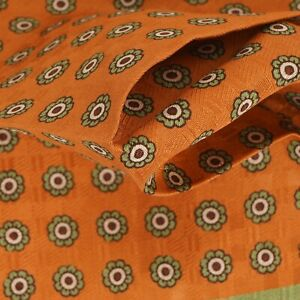 NWOT Made in Italy 100% Silk Pumpkin Floret Pea Green Piped Pocket Square