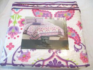 Cynthia Rowley-2pc Twin Quilt & Sham Set, Temara Floral Paisley (New)