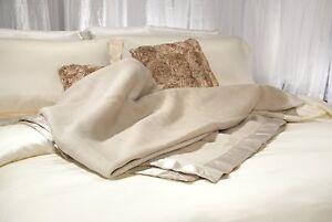 Aus Vio BM12122 100-Percent Silk Blanket with Silk Satin Border
