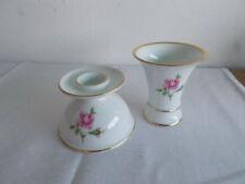 Zeitgenössische Porzellan-Antiquitäten & -Kunst als Vase mit Rosen
