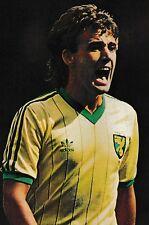 Football Photo>MICK McGUIRE Norwich City 1982-83