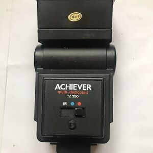 Sm Achiever Flash with multi dedicated base for use with film or digital cameras