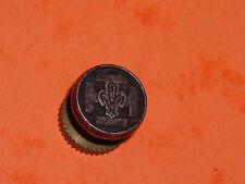 Pins Fleur de lys royal sur croix de scout Fabriqué par DECAT PARIS