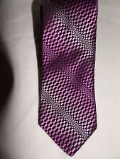 TED BAKER -(LONDON) CLASSIC ELEGANT PINK/BLACK PATTERNED ALL SILK TIE
