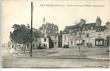 CP 56 Morbihan - Ploërmel - Place Lamennais et Maison Renaissance