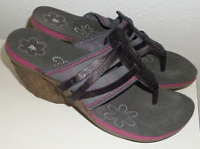 NEW CUSHE Entwine Wedge Flip Flop Sandals Black Gray Pink Flowers Womens 10
