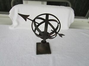 "10-1/4"" ~~Vintage  Iron Heavy Metal  Sphere w/ Arrow Globe~Sundial/Candle Holder"