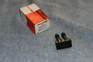 NOS 1985 87 FORD ESCORT MERCURY LYNX ROOF MOUNTED COURTESY LIGHT SWITCH