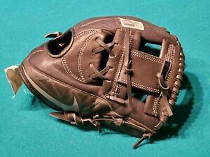 Nike Black Youth Baseball Clove BF 1725 New