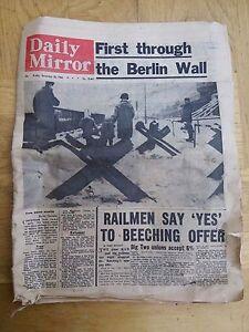Daily Mirror ORIGINAL Newspaper No. 18,663 Friday December 20th 1963 3d