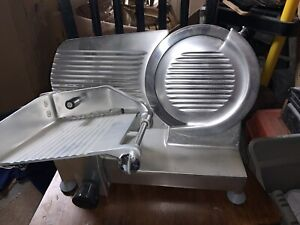 Fleetwood Commercial slicing machine m220/s