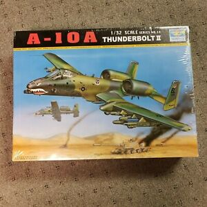 Trumpeter A-10A Thunderbolt 1/32 Scale Series  Airplane Model Kit 02214
