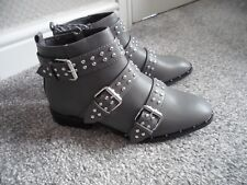 "PRIMARK "" THIS SEASONS"" Grey Double strap buckle boots size 5 bnwts"
