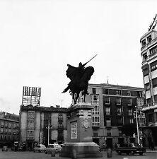 ESPAGNE c. 1953 -Autos Commerces Statue Le Cid Barcelone- Négatif 6 x 6 - Esp 23