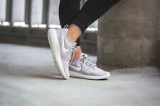 Womens  NIKE  ROSHE TWO  grey  trainers.  Size 4.  NEW