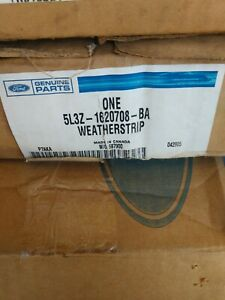 Lincoln FORD OEM Mark LT Front Door-Weatherstrip Seal on Body Right 5L3Z1620708