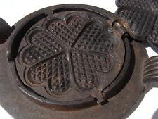 Altes Herz - Form Waffeleisen aus Gusseisen u Ring Ø14,7cm Art Deco waffle iron
