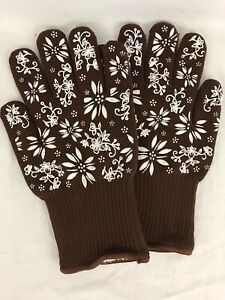 TEMPTATIONS OVEN SAFE OVEN GLOVES MITTS BROWN WITH SILICONE ACCENTS SMALL NEW