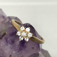 10K Gold Cubic Zirconia Ring Size 5.75