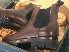 NIB Original Frye Weston Lug Chelsea boots US 9.5M dark brown 85054 3485054 DBN