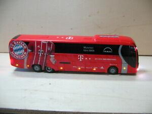 FC Bayern München   Team-Bus  mit  kompletter Beleuchtung ,hat nicht jeder !!
