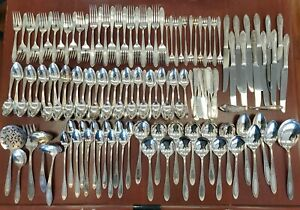Service for 12 Wm A Rogers Silver Plate A1 PLUS Oneida 125 pc Floral Silverware