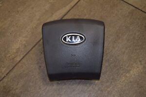 KIA SORENTO MK 1  2002-2007 DRIVERS OFF SIDE STEERING WHEEL AIRBAG OVAL BADGE