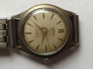 a vintage gents / mid size surena manual wind watch - working