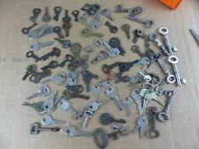 Lot de 88 anciennes clés clefs cadenas coffre porte armoire lot 16