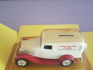 """ERTL Ford 1932 Panel Delivery Truck Bank w/ Lock """"Across the USA"""" Die Cast 1/25"""