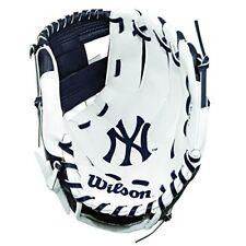 Wilson childrens A200 Mlb Nyy Team Gloves, NavyWhite, Size 10