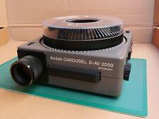 Kodak Carousel S-AV 2050 Slide Projector, Zoom Lens, Tray, Remote Control & Case