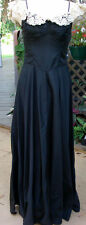 """Late 40s-50s Long Blk Full SkirtedTaffeta Gown w/Cream Lace & RS Neckline 26""""w"""