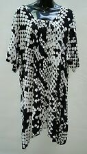 INTI Plus Size 22 Soft Cool Black White Print Short Sleeve Rayon Top NWOT