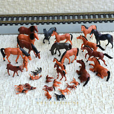 30 pcs HO painted Farm Animals Horses ( 15 different poses )