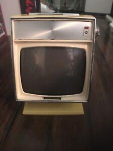 1960's Petite Vintage Yellow JVC Nivico Vision TV