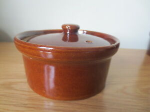 Pearsons Of Chesterfield Individual Casserole Dish & Lid Vintage Stoneware 1/2pt