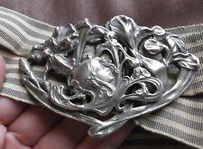 Ceinture Art Nouveau vers 1900 boucle métal argenté Femme fleur & fleurs d' iris