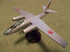 Built 1/144: Soviet ILYUSHIN IL-28 BEAGLE Bomber Aircraft USSR