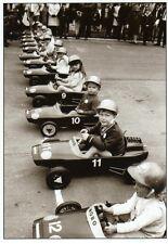 Ansichtskarte: kleine Rennfahrer beim Junior Grand Prix - Seifenkistenrennen