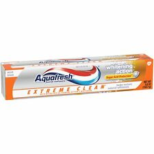 Aquafresh Extreme Clean Whitening Action Mint Blast Fluoride Toothpaste 5.6 oz.