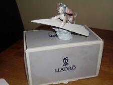 """Lladro Figura """"permite Fly Away"""" perro en un avión, de 6665. los procesadores"""