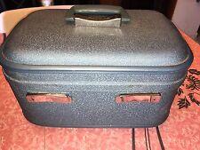 STRATOLITE ~ VTG Train Case Make Up Suitcase Travel Blue Carry-On Hard