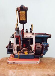 Spaccato pompa iniezione materiale didattico autoscuola loft anni '70 vintage
