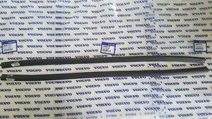 "Volvo 140 Series & 240 Series Outside Window Scraper Set of (2) - 26.5"" Inches"