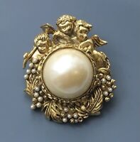 Vintage Angel brooch gold tone metal with faux pearls